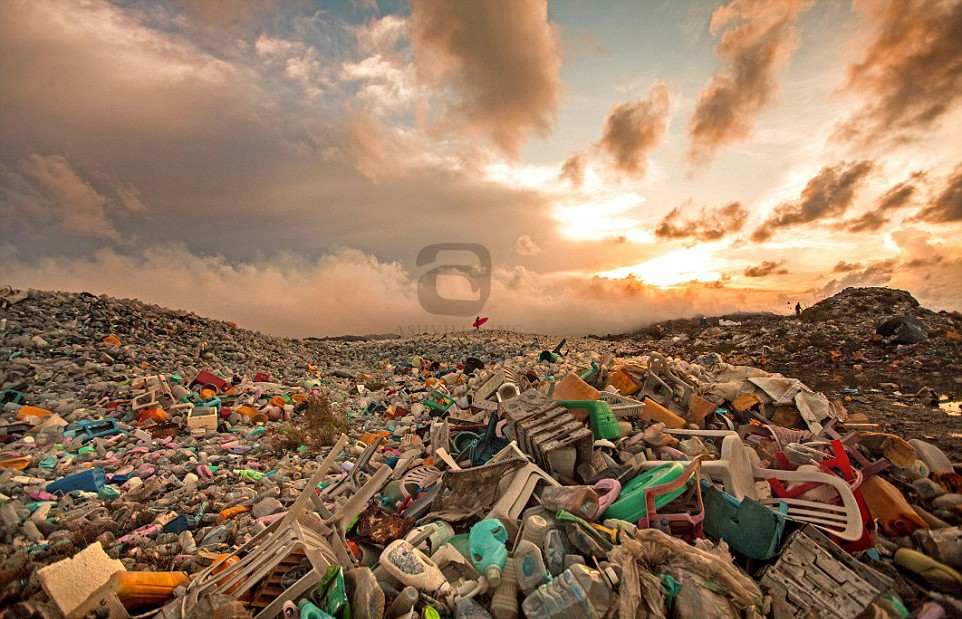 Maldives Landfill Issue – Grab Hire