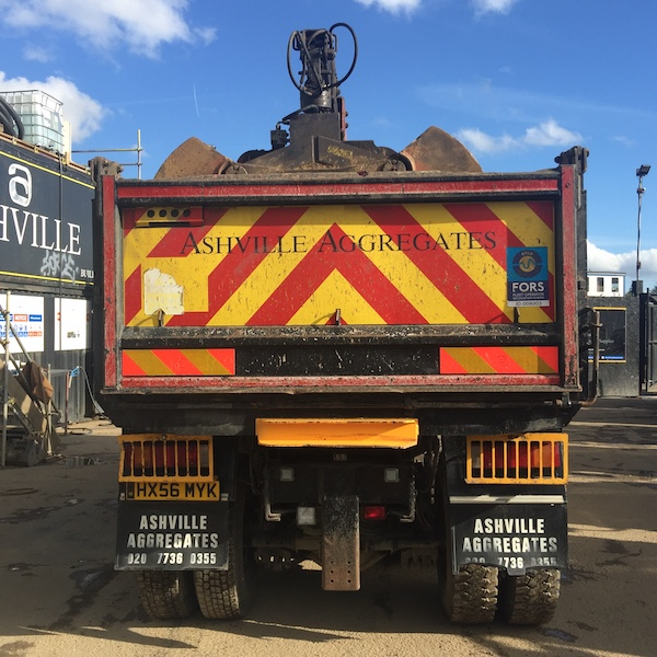 8x4 Grab Lorry for Sale