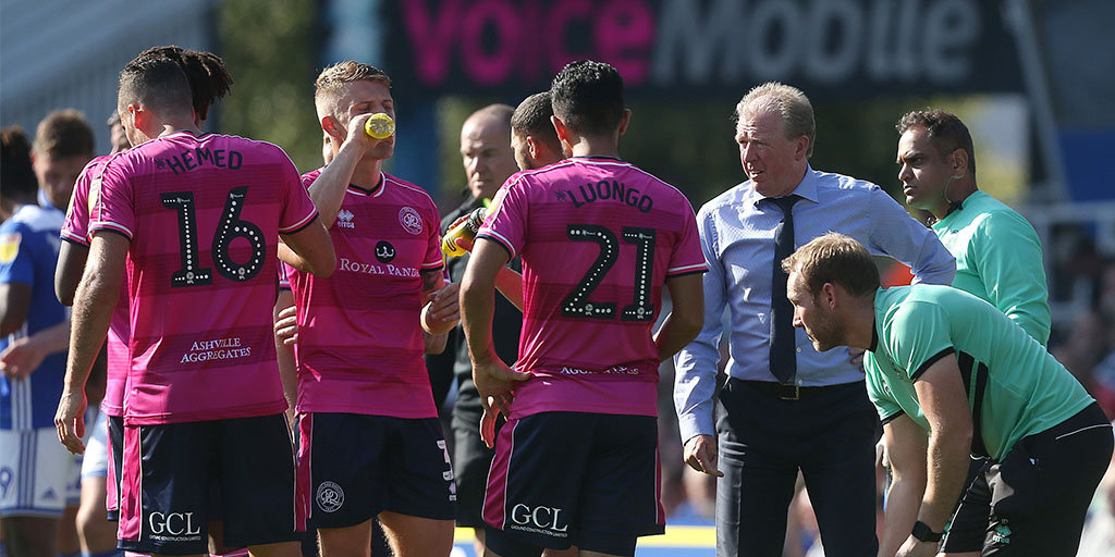 Steve Mclaren issues orders whilst the players take on refreshments